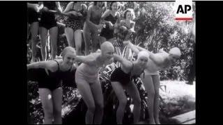 Grapefruit Girls In Swimming Race - 1939