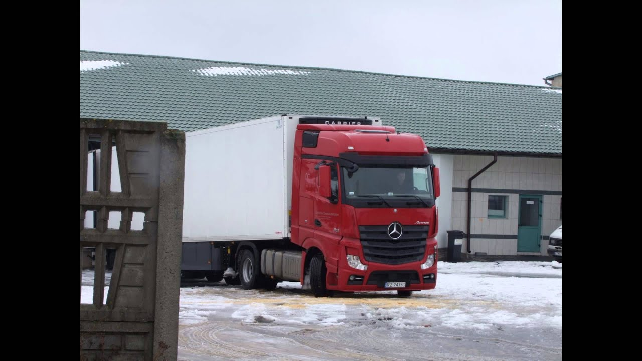 mercedes actros mp4 on the road youtube. Black Bedroom Furniture Sets. Home Design Ideas