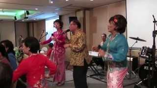 Peranakan Song - Joget Si Burong Nuri / Jinglee Nona (with subtitles)