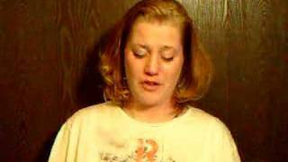Baixar Laianna reads Psalm 141 and has a word of encouragement - FOTM1