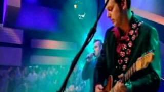 Morrissey - There Is A Light That Never Goes Out Live (Jools Holland Show) 21-05-04