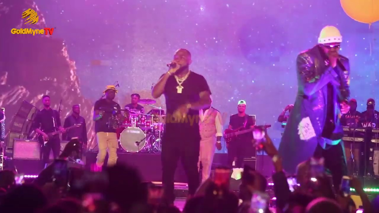 Download KIZZ DANIEL'S EXCITING PERFORMANCE AT DAVIDO'S 'A GOOD TIME CONCERT'