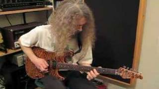 Guthrie Govan - Larry Carlton Style Track at Jamtrackcentral.com