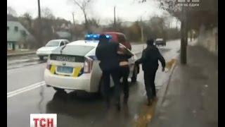 У Рівному поліція по усьому місті намагалася впіймати водія-утікача