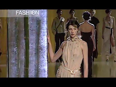 EMANUEL UNGARO Fall 2002 2003 Paris - Fashion Channel