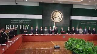 فيديو| مقاطعة رئيس المكسيك في وقفة حداد صامتة