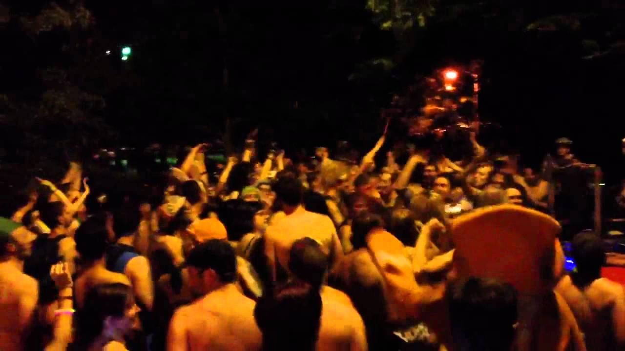Chicago 2012 Naked Bike Ride Dancing In Oz Park June 9 2012 - Youtube-2342
