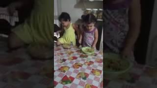 Video Pensando na alimentação da irmã hahaha download MP3, 3GP, MP4, WEBM, AVI, FLV Oktober 2018