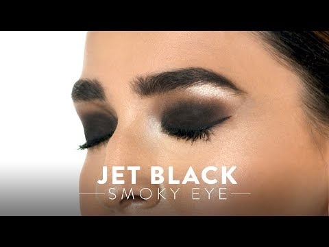 Jet Black Smokey Eyes Look | MyGlamm