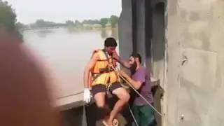 water rescue evacuation of dead body