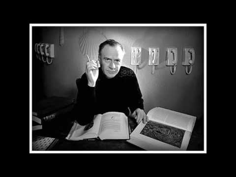 Students get processed by Marshall McLuhan - Deconditioning Lecture [1969]