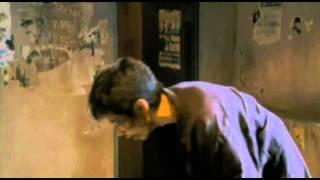 秀二は映画監督。兄が残した莫大な借金を返すため、殴られ屋を始める。...