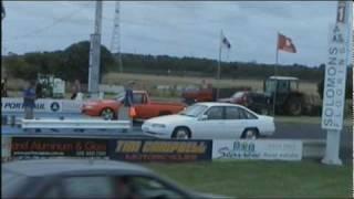 Holden Commodore VR ute vs VN sedan, Southcoast raceway 1-1-10