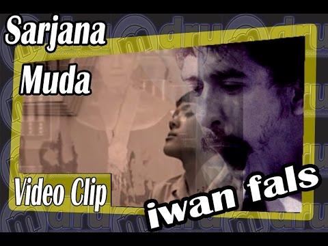 iwan fals - sarjana muda oiginal clip (omdru entertainment)