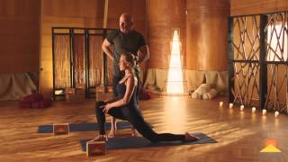 A Yoga Lunge Sequence For Balance And Strength