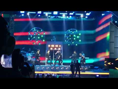 CNCO & Yandel [Hey DJ] - Premios Billboard Musica Latina 2017 - Billboard Latin Music Awards 2017