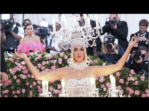 Самые яркие наряды Met Gala-2019: Мокрое платье Ким Кардяшьян и блестящее декольте Дженнифер Лопес