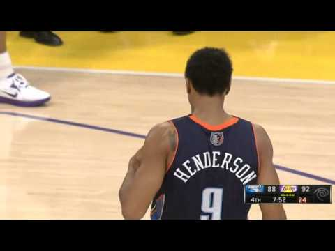 Gerald Henderson dunk on Dwight Howard Lakers-Bobcats 12-18-12