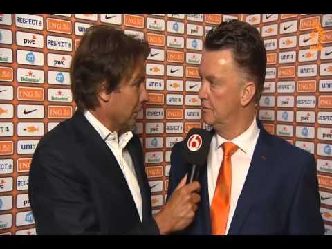 Louis van Gaal staredown