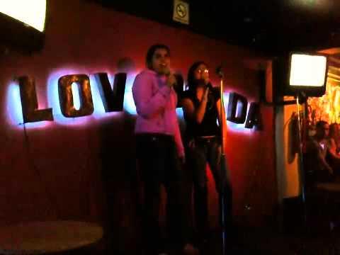 Dania y Gaby Karaoke