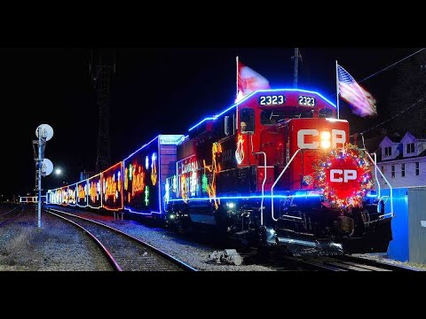 4K MONTREAL CANADA - CP Holiday Christmas Train 2019 // Beaconsfield Station In Montreal