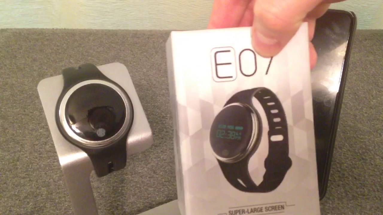 Review: E07 SmartWatch Sport Band Watch - YouTube