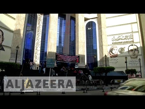 Face-off at Egypt's Press Syndicate - The Listening Post (Full)