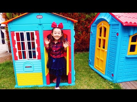 Öykü Predent Play Builds Your Own House - Funny Kid Video