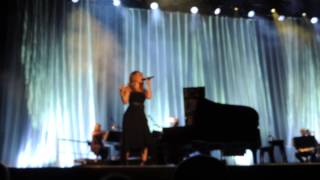 Idina Menzel - Intro Defying Gravity (Wicked) live World Tour, London 27/07/15