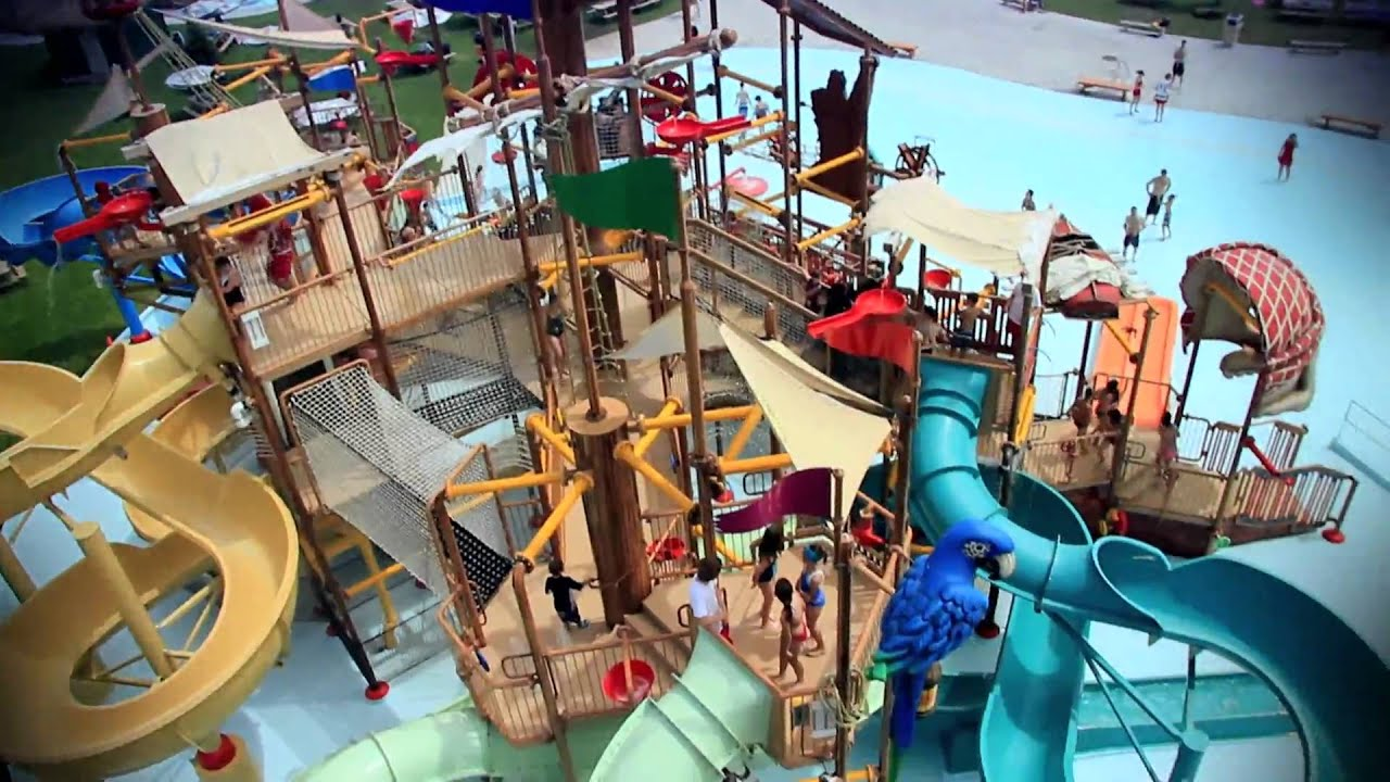 Pirate 39 s aquaplay calypso theme waterpark youtube for Chamalieres piscine