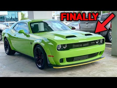 I BOUGHT A 2019 HELLCAT REDEYE! *IT'S OFFICIAL*