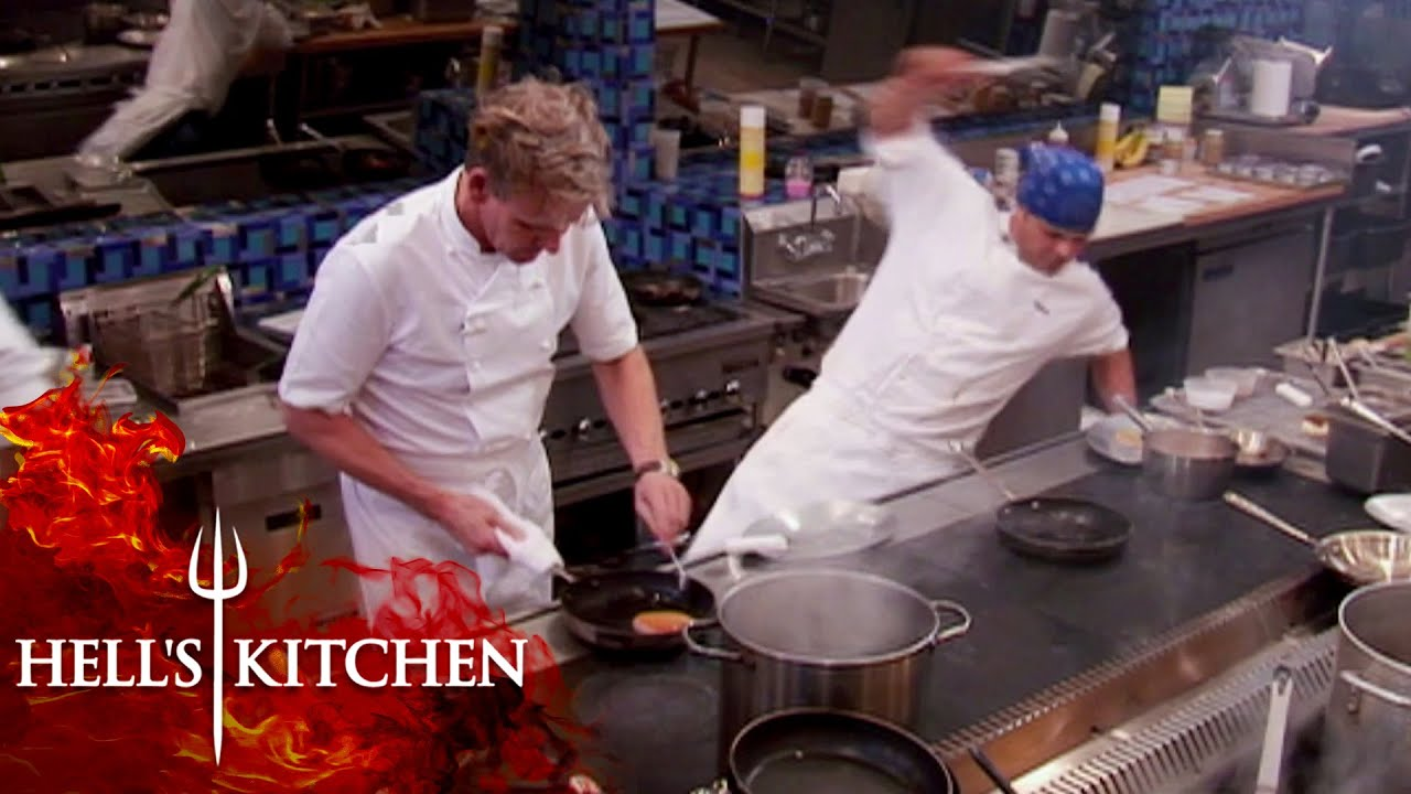 Anton Slips During Service As Gordon Cooks His Fish Hell S Kitchen Youtube