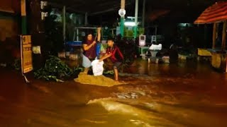 น้ำท่วมใต้ยังวิกฤต ช่วยระทึก นทท.ติดบนเขาเกาะสมุย - พบร่าง ด.ช.ถูกน้ำป่าเมืองคอนพัดดับสลด