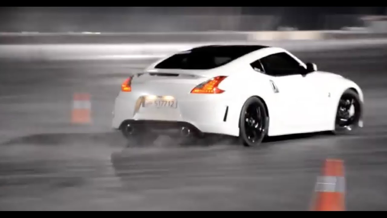 Nissan 370Z Nismo >> White Nissan 370z Drifting - YouTube