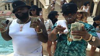 Rick Ross feat. R. Kelly - Keep Doin' That (Hood Billionaire)