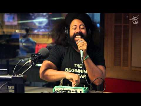 Reggie Watts Beatboxes on triple j