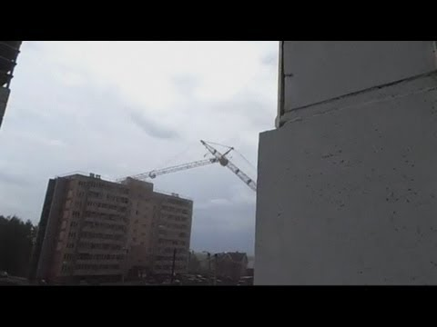 Russian crane collapse: Massive crane collapses into apartment block in Kirov