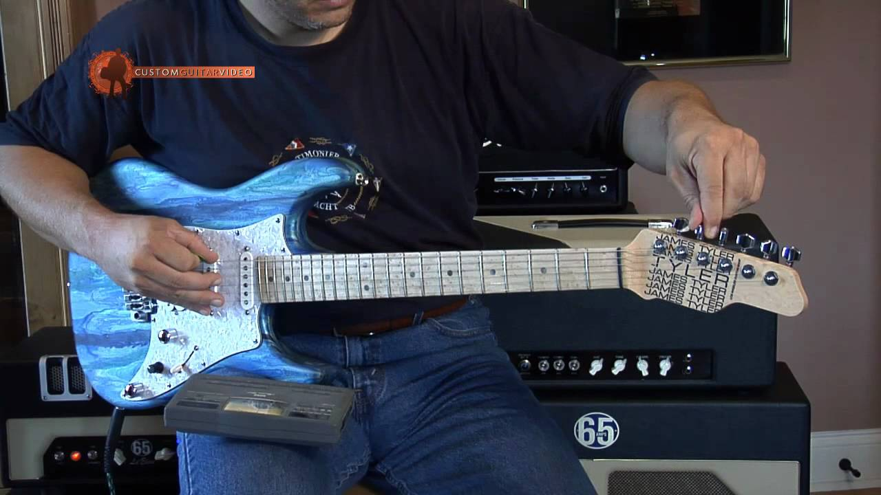 how to tune a guitar 01 electric acoustic always perfectly in tune youtube. Black Bedroom Furniture Sets. Home Design Ideas