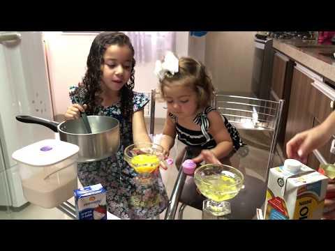 Na cozinha com Alice e Sofia - Pudim de Sorvete
