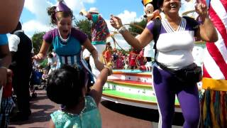 Sharini dancing in the Disney Parade