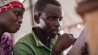 Des réfugiés burundais reprennent contact avec leurs proches