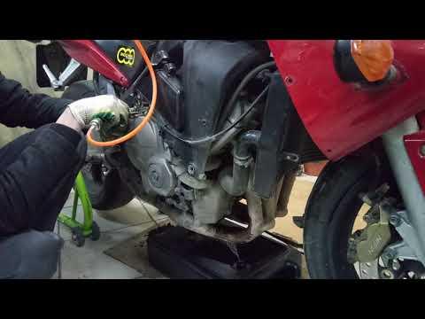 Как дополнительно слить масло с мотоцикла