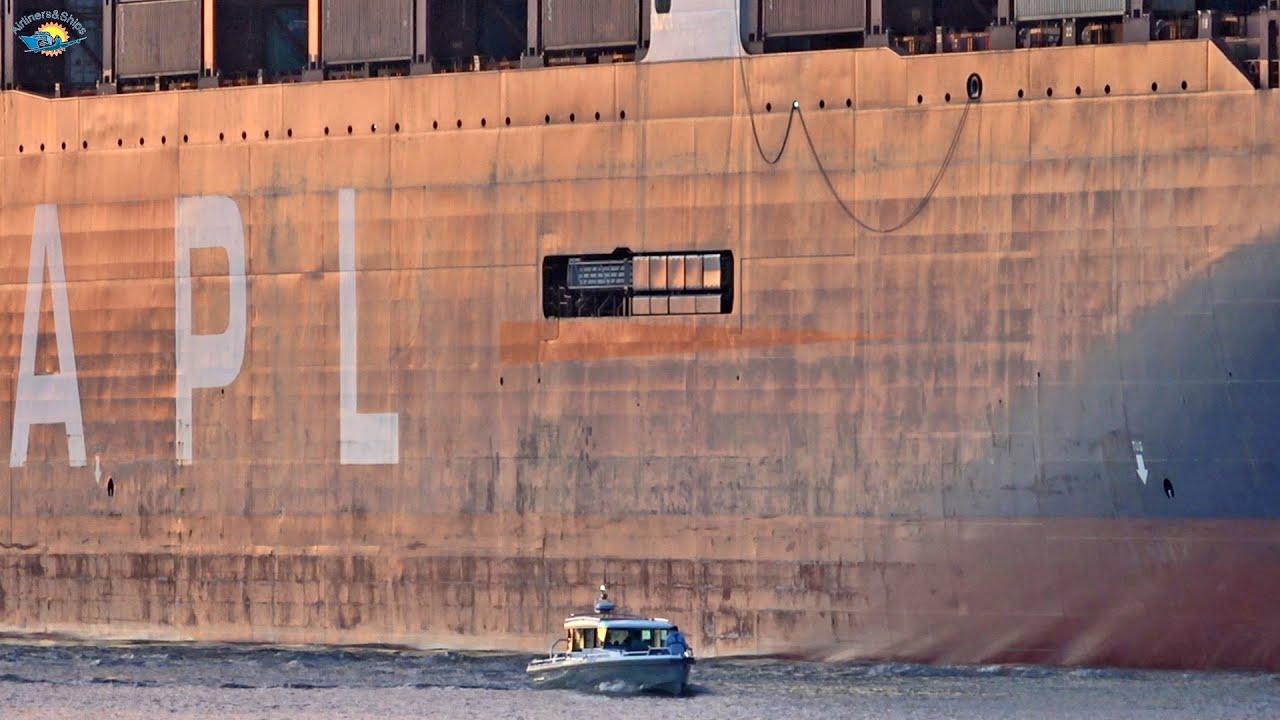ULTRA LARGE Container Ship arrives in HAMBURG - Shipspotting HAMBURG September 2020