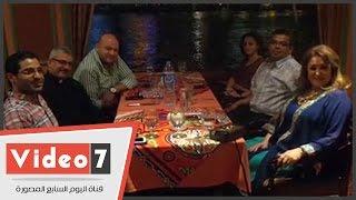 بالفيديو. . نجوم الفن على مائدة سحور الفنانة ألفت عمر