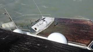 Imbarcazione affondata nel porto di Trani