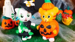 Daniel Tiger´s Toys 🐯 Conflicts in Halloween 👻😮🎃
