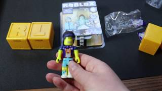 Cool Roblox opening: Taylor and Riane review Roblox mystery figures and Frost Empress