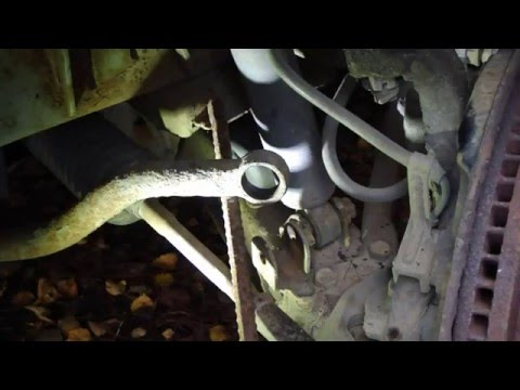 How to replace anti roll bar link Toyota Hiace and Granvia van. Years 1990 to 2014.