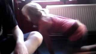 Šárka pod stolem