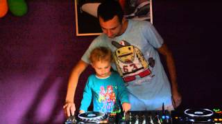 2 Years Old Baby Mixing On Pioneer (and  Dj Bajlando )